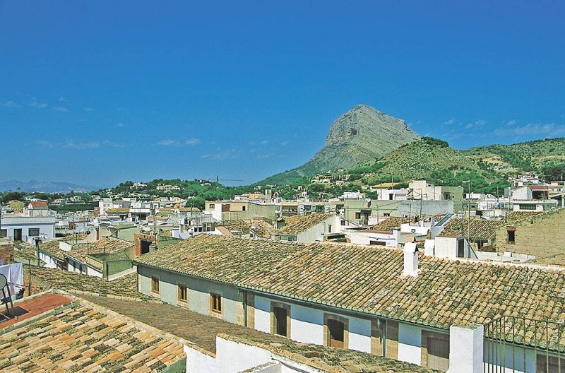 Photo Javea Mt Montgo and rooftops